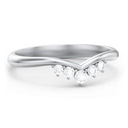 V-Shape Band Ring with Graduated Diamonds