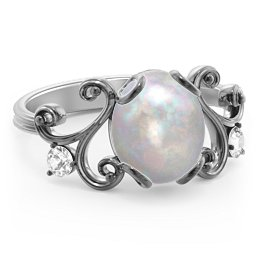 Opulant Oval Vintage-Inspired Cabochon Ring